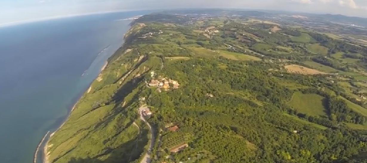 Veduta aerea dal Parco naturale del Monte San Bartolo